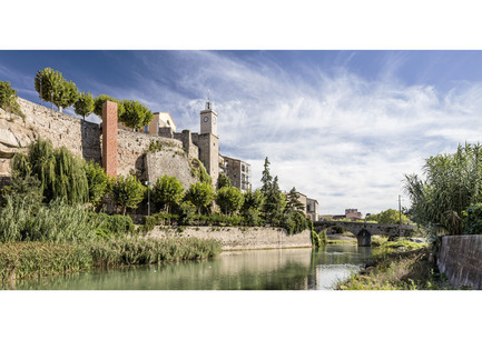 Dossier de presse | 1830-04 - Communiqué de presse | FAD to Architecture and Interior Design Awards Finalists 2016 - FAD - Fostering Arts and Design - Competition - Category: City and Landscape<br> <br> New access to the historical center of Gironella          <br> Plaça de la Vila          <br> Gironella, Barcelone (Spain)<br> <br> Authors: <br> Carles Enrich Gimenez, architect (Carles Enrich arquitectura + urbanisme)          <br> Building engineer: Carles Jabarodo  - Crédit photo : Adrià Goula