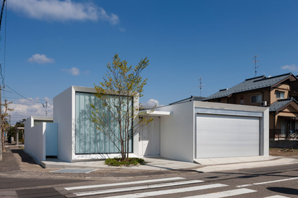 Press kit | 875-02 - Press release | The House for Contemporary Art / Award-winning project - Ryumei Fujiki + Yukiko Sato / F.A.D.S - Residential Architecture - Exterior view from the south - Photo credit: Hiroshi UEDA
