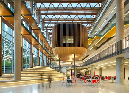 Dossier de presse | 2124-01 - Communiqué de presse | The Illuminating Engineering Society of British Columbia announces its 'Vision Award' winners for 2016 - IESBC - Lighting Design - UBC Student Union Building  - Crédit photo : Ema Peter<br>