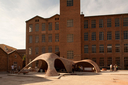 Press kit | 2070-01 - Press release | Brick-topia by Map13 Barcelona, winner of the WAN Temporary Small Spaces Award 2015 - Map13 Barcelona - Institutional Architecture - General view of the project Brick-topia. - Photo credit: Manuel de Lózar y Paula López Barba