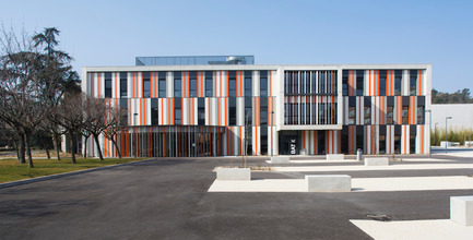 Press kit | 921-02 - Press release | New building at Albert Einstein High School in Bagnols sur Cèze - NBJ architectes - Institutional Architecture - Photo credit: Paul KOZLOWSKI