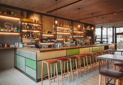 Press kit | 1124-09 - Press release | WIN Awards - Hospitality Shortlist Announced - World Interiors News - Commercial Interior Design - WIN Awards 2016 - Bars Category: The Lighterman by Open House London (United Kingdom)<br><br>The Lighterman is a 10,200 sq. ft brand new pub, dining room and bar located on Granary Square, King's Cross. The venue opened in March 2016 and offers three floors of all-day dining and drinking, with outside seating on Regent's Canal towpath, Granary Square and a wraparound terrace at first floor level, commanding superb views over King's Cross.The owners wanted to create a series of distinctive warm and inviting spaces for the local and diverse demographic, ranging from the casual creative art student to the more formal corporate and professional customer.<br><br>'An elegant and yet relaxed space.' LG <br><br>'The designers have overcome the challenge of creating warmth in an open plan space with the use of lighting and materials.' MA<br> - Photo credit: Open House London