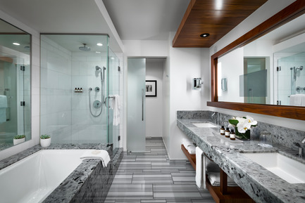 Press kit | 2065-01 - Press release | 'The Owner's Suite Collection' is Unveiled   at Fairmont Pacific Rim in Vancouver, Canada - Fairmont Pacific Rim - Commercial Interior Design - Master Bathroom - Photo credit: Fairmont Pacific Rim