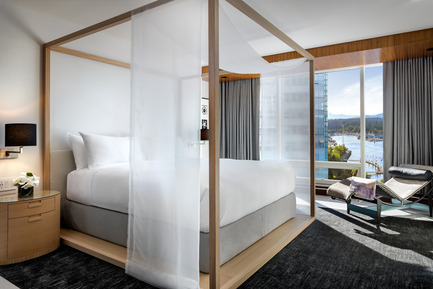 Press kit | 2065-01 - Press release | 'The Owner's Suite Collection' is Unveiled   at Fairmont Pacific Rim in Vancouver, Canada - Fairmont Pacific Rim - Commercial Interior Design - Master Bedroom - Photo credit: Fairmont Pacific Rim