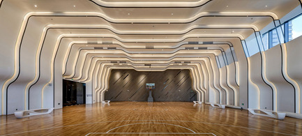 Dossier de presse | 1124-10 - Communiqué de presse | WIN Awards - Public Spaces + Residential Categories Shortlists Announced - World Interiors News - Competition - WIN Awards 2016 - Leisure or Entertainment Venues Category: Times Ocean Club House by KLID ( Kris Lin International Design) (Guangzhou, China)<br><br>The whole design features the lines consisted of dots and a surface consisted of lines, then a three-dimensional space consisted of surfaces in different angles. Every line and every surface is something, which is carefully carved by the sculptor, and the final interior space design itself is an artwork. <br><br>'What we like about this project is the execution; the build quality and the lovely use of materials.' MC <br><br>'Great use of materials with a mix of soft and hard finishes and shapes. Origami inspired volumes with very subtle and pleasing lighting – a great space to be in.' SJ<br> - Crédit photo : KLID ( Kris Lin International Design)