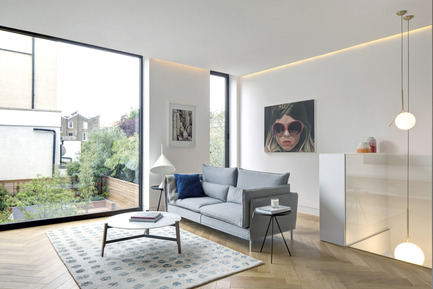 Dossier de presse | 1124-10 - Communiqué de presse | WIN Awards - Public Spaces + Residential Categories Shortlists Announced - World Interiors News - Competition - WIN Awards 2016 - Residential Interiors Category: 143 Englefield Road by DROO Projects (London, United Kingdom)<br><br>From dingy bedsits to a luxury smart home, 143 Englefield Road presented the age-old challenge of marrying contemporary living with a Period home in the most seamless manner, which was completed in May 2015. The existing Victorian terrace house was in absolute disarray when it was purchased by developer client East Eight, and was completely reimagined by Amrita Mahindroo of Droo Projects.The project of the size of 320 sq. m is a sensitive refurbishment and extension of the existing period terrace which seeks to integrate all of the aspects of contemporary living into a Period home whilst enhancing the original features of the house. <br><br>'This project called for the conversion from bedsits to a luxury home without destroying the period charm of the Victorian architecture. DROO achieved this through the use of a subtle colour palette, considered storage solutions, and clever lighting. A stunning bathroom and kitchen complete this stylish and attractive project.' BJ<br> - Crédit photo : DROO Projects