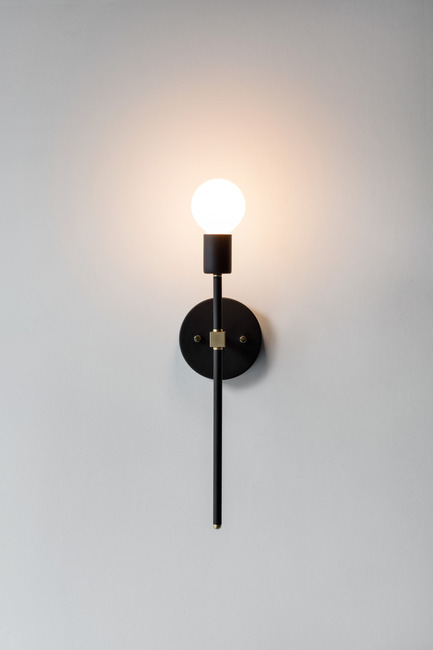 Press kit | 2179-01 - Press release | Atelier Anaka Launches Online Boutique for Modern, Handmade Lighting - Atelier Anaka - Lighting Design -  Kelly.1 Sconce, from 195$ CDN - Photo credit: Adrien Williams