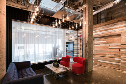 Press kit | 1152-08 - Press release | Four-Season Work and Play Areas at Ubisoft Quebec City - LumiGroup - Commercial Interior Design - Absolux Lighting: Kube - Photo credit: Jonathan Robert