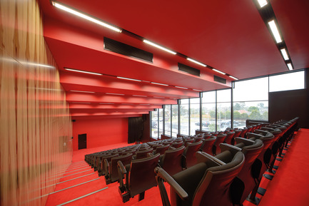 Press kit | 2259-01 - Press release | The Infinity Centre, Penleigh and Essendon Grammar Senior School - McBride Charles Ryan - Institutional Architecture - Lecture Theatre - Photo credit: John Gollings