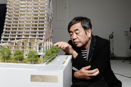 "Press kit | 2051-03 - Press release | Fairmont Pacific Rim To Present ""Japan Unlayered"" in Vancouver, Canada - Fairmont Pacific Rim - Event + Exhibition -  Kengo Kuma with Alberni by Kuma (model)  - Photo credit: Dennis Gocer, The Collective You<br>"