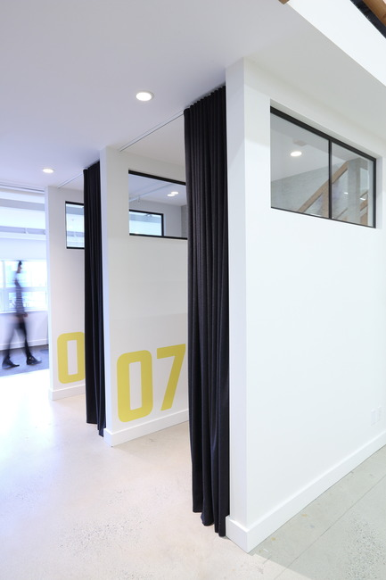 Press kit | 2073-03 - Press release | Innovative Interior Design Steps Up Tech Firm Startup - DIALOG - Commercial Interior Design - STAT Search Analytics - Photo credit: Ema Peter