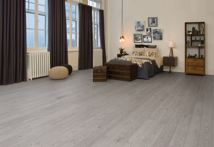 Press kit | 1639-06 - Press release | Spotlight on New Colours, Character and Lengths for 2017 at Mirage Floors - Mirage Hardwood Floors - Product -  Red Oak Driftwood, Character, Imagine Collection  - Photo credit: Mirage Hardwood Floors