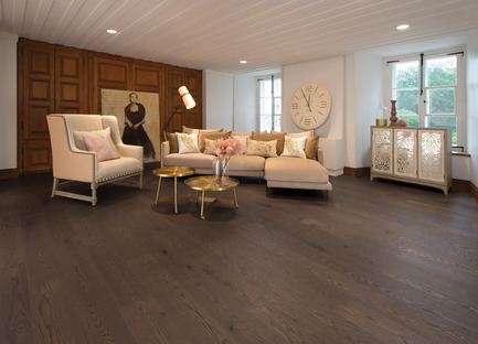 Press kit | 1639-06 - Press release | Spotlight on New Colours, Character and Lengths for 2017 at Mirage Floors - Mirage Hardwood Floors - Product - Red Oak Nightfall, Light Character, Flair Collection - Photo credit: Mirage Hardwood Floors