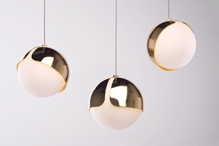 Press kit | 2351-01 - Press release | New Lighting Collection by ANONY - ANONY - Lighting Design - Ohm | Pendant | Polished Brass - Photo credit:  Wendy Pham & Leo Calderon
