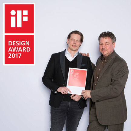 Press kit | 2163-02 - Press release | Portapivot's Pivot Hinge Technology Receives an iF Design Award - Portapivot - Product - Rudi and Koen Dries with Stealth Pivot's iF Design Award 2017 certificate - Photo credit: iF Awards organisation