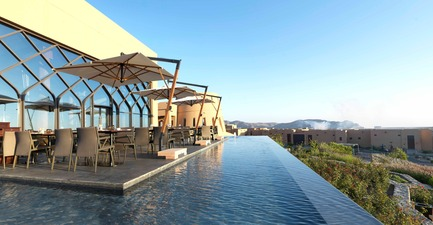 Press kit | 2177-02 - Press release | Lotfi Sidirahal from Atelier Pod Designs the Highest Five Star Resort in the Middle East: Anantara Jabal Akhdar - Atelier Pod - Lifestyle - Al Maison Restaurant Terrace - Photo credit: Anantara Jabal Akhdar
