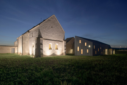 Press kit | 2394-01 - Press release | Conversion of the Former Hospital of Meursault - JUNG Architectures & Simon Buri - Institutional Architecture - Photo credit: Martin Argyroglo