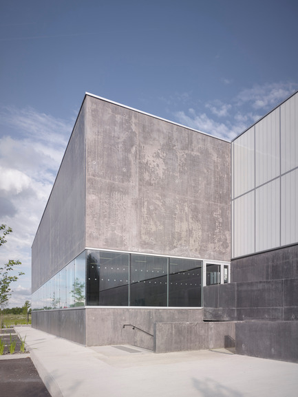 Press kit | 1040-05 - Press release | Sports Complex in Bussy Saint-Georges - Martin Duplantier Architectes - Institutional Architecture -  North facade - Zoom   - Photo credit:  Yohan ZERDOUN