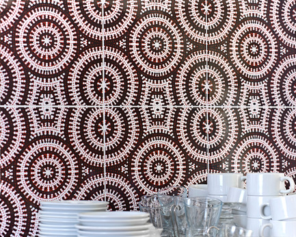 Press kit | 2399-01 - Press release | My Country: Design With Origin - Bay Gallery Home - Industrial Design - Bay Gallery Home, My Country Emu Dreaming ceramic wall tiles in situ. From an original Australian Aboriginal artwork. - Photo credit: Bay Gallery Home.