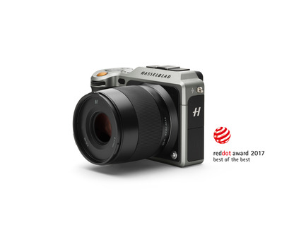 Press kit | 2466-01 - Press release | Hasselblad Wins Top Prize at the Red Dot Award: Product Design - Hasselblad - Product -  Hasselblad RedDot X1D  - Photo credit:  Hasselblad