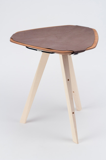Press kit | 2537-01 - Press release | Triangular - DWD - Dominik Weber Design - Industrial Design - stool mounted, leather included, front view (complete) - Photo credit: picture by Dominik Weber, 2016