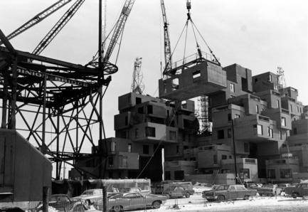Press kit | 748-31 - Press release | Montreal Celebrates the 50th Anniversary of Architect Moshe Safdie's Pioneering Habitat '67 With a New Exhibition at UQAM Centre de Design / June 1 through August 13, 2017 - UQAM Centre de Design - Event + Exhibition - Habitat 67, construction image, 1966 - Photo credit: Collection of Safdie Architects