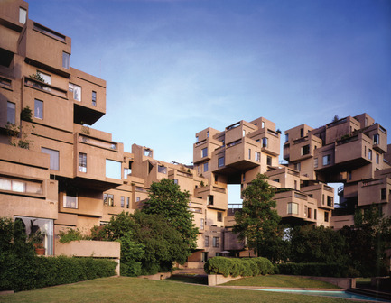 Press kit | 748-31 - Press release | Montreal Celebrates the 50th Anniversary of Architect Moshe Safdie's Pioneering Habitat '67 With a New Exhibition at UQAM Centre de Design / June 1 through August 13, 2017 - UQAM Centre de Design - Event + Exhibition - Habitat 67 - View from courtyard - Photo credit: Image by Timothy Hursley