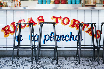 Press kit | 1048-12 - Press release | Multidisciplinary Studio +tongtong Designs Torteria San Cosme, the Mexican Sandwich Shop in the Heart of Kensington Market - +tongtong - Industrial Design - Photo credit: Naomi Finlay