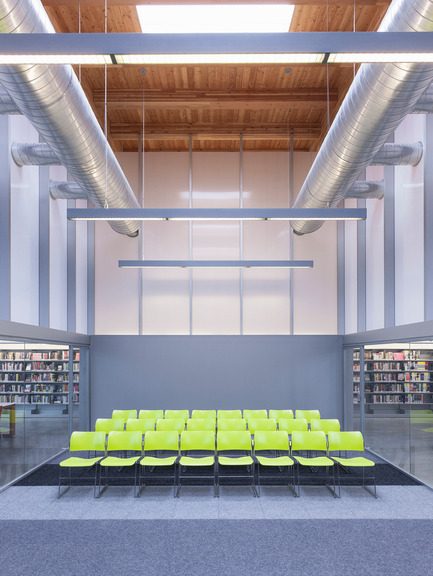 Press kit | 2570-01 - Press release | New York Public Library Stapleton Branch - Renovation and Expansion - Andrew Berman Architect - Institutional Architecture - Community room<br> - Photo credit: Naho Kubota