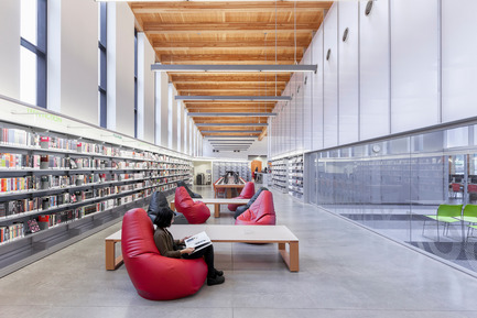 Press kit | 2570-01 - Press release | New York Public Library Stapleton Branch - Renovation and Expansion - Andrew Berman Architect - Institutional Architecture -  Teen area<br>  - Photo credit: Naho Kubota