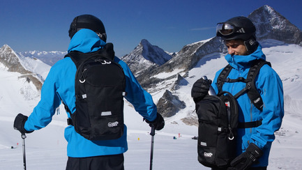 Press kit | 2599-01 - Press release | Wolffepack Capture, the Orbital Backpack, Wins 3 International Design Awards in 2017 - Wolffepack - Product - Wolffepack Summit, the ultimate backpack for snowsports and active access - Photo credit: Wolffepack Limited