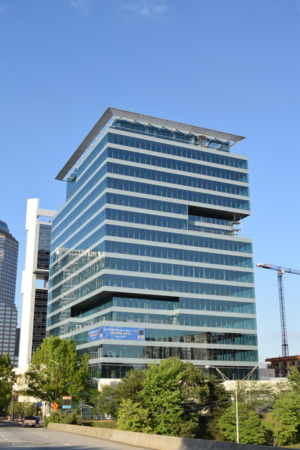 Press kit | 2125-06 - Press release | Charlotte NC's Newest Office Tower Opens For Business - John Portman & Associates - Commercial Architecture - Debut of 615 South College Charlotte, NC May 2017 - Photo credit: John Portman & Associates