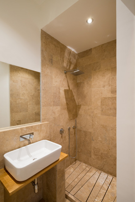 Press kit | 2247-02 - Press release | A Constructive Approach - Monoloko design - Residential Interior Design - Bathroom - Photo credit: Ilya Ivanov