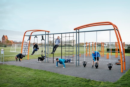 Press kit | 2487-01 - Press release | New Outdoor Fitness is a Game Changer - KOMPAN - Product - Link Solution - Photo credit: KOMPAN