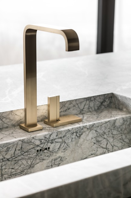 Press kit | 2505-01 - Press release | Innovative Belgian Faucet Design - Co.Studio - Product - Andrew kitchen faucet in brass  - Photo credit: Thomas De Bruyne