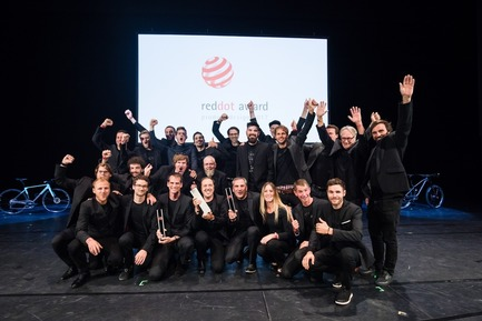 Press kit | 1696-18 - Press release | Red Dot Gala 2017: The Best Designers and Manufacturers of the Year Were Recognised - Red Dot Award - Competition - Canyon Design Team, the Red Dot: Design Team of the Year 2017 - Photo credit: Red Dot<br>
