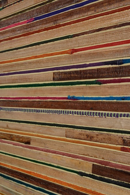 Press kit | 2712-01 - Press release | Rainbows - Omexco - Product - bakbak and sari silk on non-woven backing - Photo credit: Omexco