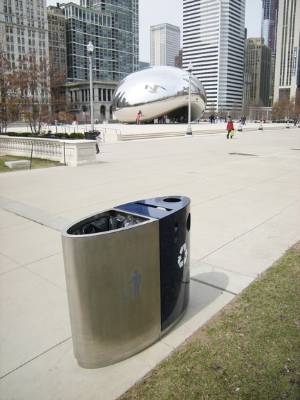 "Press kit | 2707-01 - Press release | EcoTrio® Commercial Recycling Bins - EcoTrio®, LLC - Industrial Design -  EcoTrio® ""The Millennium"" Commercial Recycling Bin with the Bean  -  Millennium Park, Chicago (US Pat. No. D566 364 © 2008 ecotrio®, llc) - Photo credit: Noel Michaels"