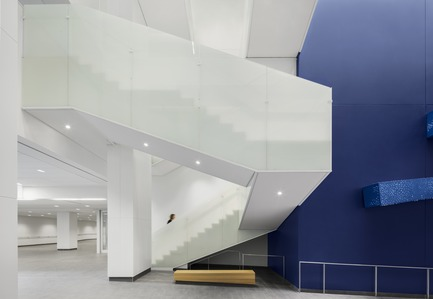 Press kit | 1387-03 - Press release | The New CHUM, Largest Healthcare Construction Project in North America, Opens its Doors - CannonDesign + NEUF architect(e)s - Institutional Architecture - Sanguinet Stairs - Photo credit: Adrien Williams