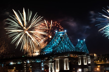 Dossier de presse | 1089-02 - Communiqué de presse | Illumination of the Jacques-Cartier Bridge | Creating the World's Most Connected Bridge - Moment Factory - Multimedia Design - Jacques Cartier Bridge Interactive Illumination_Inaugural Show May 17 2017 - Crédit photo : Moment Factory