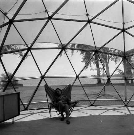 Press kit | 748-32 - Press release | Montréal's Geodesic Dreams: Exhibition at UQAM Centre de Design - Centre de design de l'UQAM - Event + Exhibition - Jeffrey Lindsay, Skybreak, 1951 - Photo credit:  Copyright : Fonds Jeffrey Lindsay, Archives d'architecture canadienne, Université de Calgary.