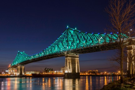 Dossier de presse | 1089-02 - Communiqué de presse | Illumination of the Jacques-Cartier Bridge | Creating the World's Most Connected Bridge - Moment Factory - Multimedia Design - Jacques Cartier Bridge Interactive Illumination_Living Connections - Crédit photo : The Jacques Cartier and Champlain Bridges Incorporated (JCCBI)