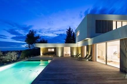Press kit 1151 05 press release maisona pietri architectes residential