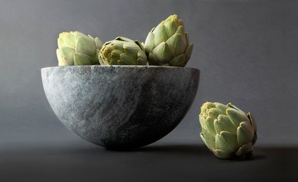 "Press kit | 990-05 - Press release | Out with Marble: KAYIWA Proves That Granite Has Always Been ""In"" - KAYIWA - Product - ITTOLI Bowl - Silver Green  - Photo credit: KAYIWA"