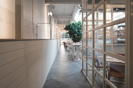 "Press kit | 788-05 - Press release | Restaurant ""Perles et Paddock"" - FX Studio by clairoux - Commercial Interior Design - Photo credit: atelier welldone"