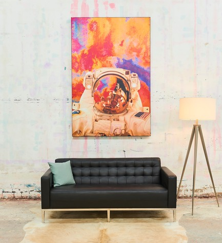 Press kit | 2796-01 - Press release | Big Naked Wall Creates New Art Category with Backlit Frames - Big Naked Wall - Art -  This picture is used to show the relative contrast of when the artwork is backlit vs non-backlit.   - Photo credit: Big Naked Wall