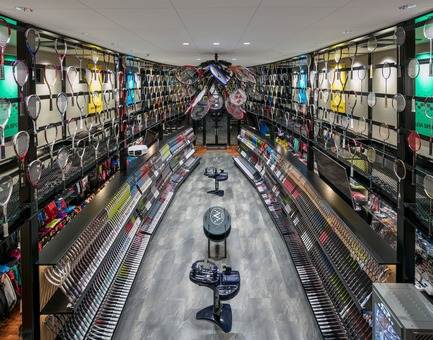Press kit | 3003-01 - Press release | WADA Sports, Flagship Store - Matsuya Art Works / KTX archiLAB - Commercial Interior Design - The shop as seen from the 2nd level WADA Bari stage<br> - Photo credit: Stirling Elmendorf