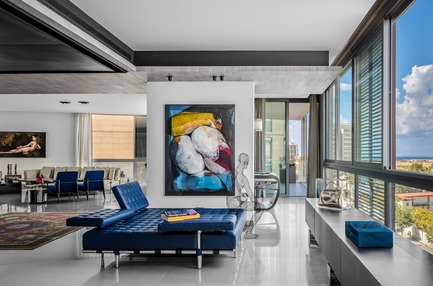 "Press kit | 2769-02 - Press release | One Oak 3&4 B2 - Askdeco - Residential Interior Design - -Sofa Bed - 241 Privè - Cassina<br>- Artwork Etienne Gros <br>- Painting in the back - by Yasmina Alaoui- Guerra<br>-""Slim Side"" Henge07 sideboard<br>- Elie Bleu Blue cigar Box <br>-Metal Statue by Jaume Plensa<br>- Sac Kelly Alain Salomon<br> - Photo credit: Alex Jeffries"