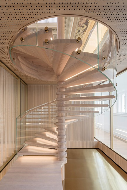 Press kit | 2274-02 - Press release | Telegraf 7 - BEHF Architects - Commercial Architecture -  Wooden spiral staircase   - Photo credit: Hertha Hurnaus
