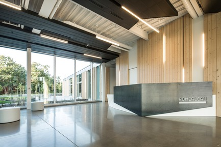Press kit | 865-30 - Press release | Lemay Wins 2017 American Architecture Prize for Design of Pomerleau Offices - Lemay - Commercial Architecture - Pomerleau Offices - Interior - Main Entrance  - Photo credit: Jonathan Robert